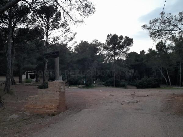 La Policia Local de Serra desmantella un botellot de 30 persones al  Parc Natural de la Calderona