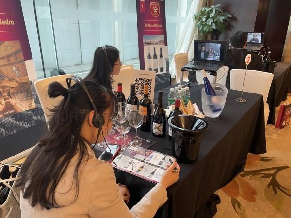 Diez bodegas de la Comunitat Valenciana promocionan sus vinos en China a través del Ivace