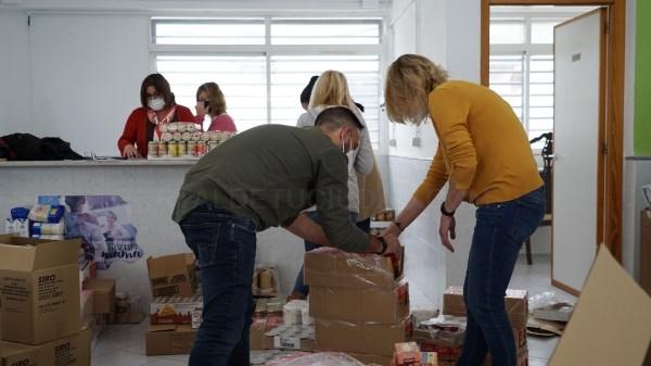 El Ayuntamiento de San Antonio de Benagéber reparte más de 4000 kg de alimentos a familias desfavorecidas