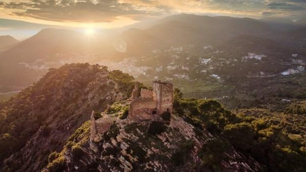 Una panorámica del castillo de Serra ganadora del VI concurso de Fotografía  Pascual Navarro