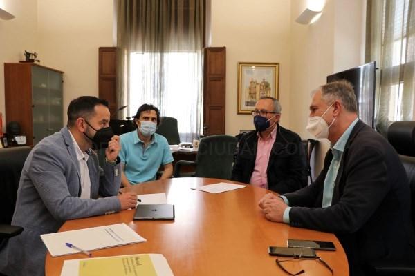 El secretari autonòmic de Participació i Transparència presenta a l'Ajuntament de Llíria els pressupostos participatius de la Generalitat