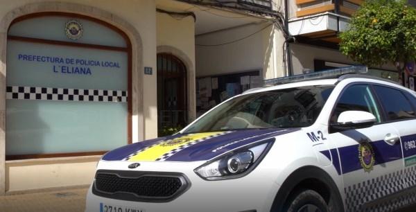 La Policía Local evita la ocupación de un chalé en l'Eliana