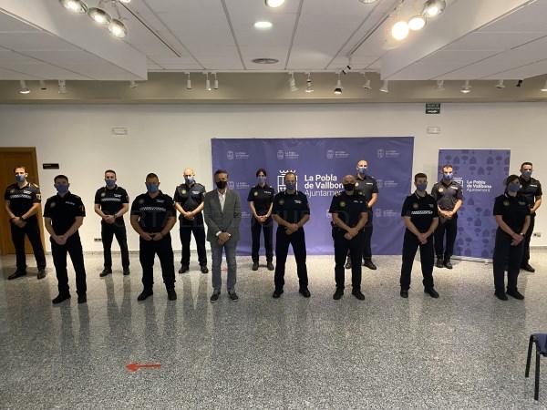 La Pobla de Vallbona presenta los 13 agentes que se incorporan a la Policía Local