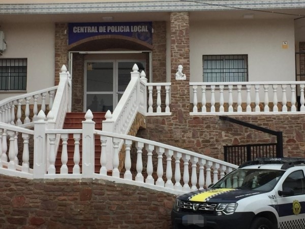 Serra crea 4 plazas de agente de Policía Local