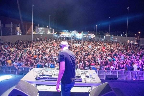 VOTA HASTA EL 30 DE JULIO QUÉ DJ LOCAL QUIERES QUE PINCHE EL 27 DE AGOSTO EN EL RECINTO FERIAL