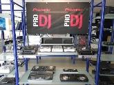 mesas de mezclas, auriculares, capsulas y agujas dj, cajas y bolsas dj,  cajas acústicas