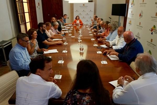 IMATGE DE LA REUNIó CELEBRADA A LA VICEPRESIDèNCIA I CONSELLERIA D'INNOVACIó, RECERCA I TURISME