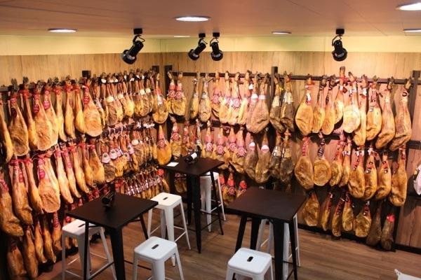 carnes frescas, cabritos