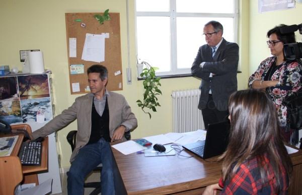 El delegado territorial visita el centro de salud de El Espinar con motivo del inicio del proceso de implantación de la receta electrónica