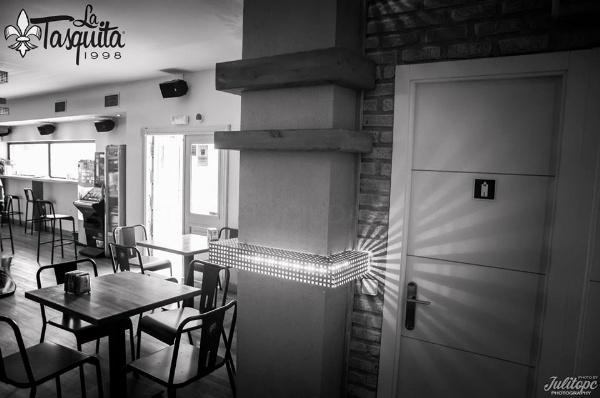 La Tasquita: Cafetería, cervecería, en Móstoles desde Abril de 1998