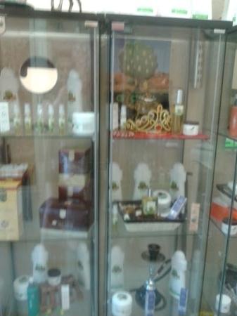 Fabricantes de aceite de argán puro Bereber, todo tipo de productos de cosmética natural en el centro de Móstoles