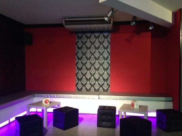 Touché Mostoles: Bar de copas, pub, fiestas temáticas, eventos, dj, celebración de fiestas privadas, monólogos