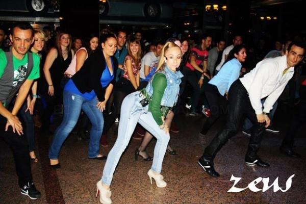 Zeus Móstoles: Discoteca, sala de fiestas, salas de baile, salsa en Móstoles