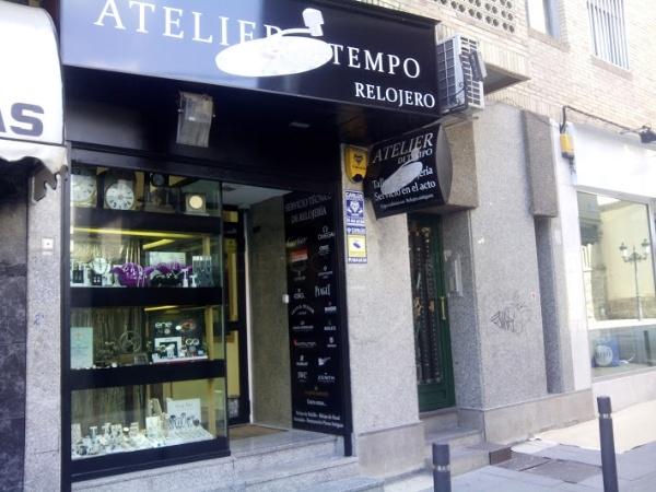 Atelier Di tempo: Relojero en Móstoles, taller de relojería, especializado en relojes antiguos y vintage de todas las marcas y clases, talleres de joyería, joyas en plata,