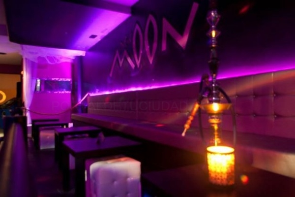 Moon Lounge Bar: el mejor ambiente de la zona Hospital de Móstoles. Musica variada y comercial, celebraciones, retransmisiones deportivas, copas premium de calidad