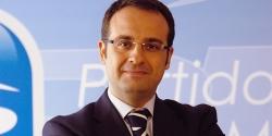 El Presidente del PP de Móstoles considera que Cifuentes debe liderar el partido en Madrid hasta el Congreso.