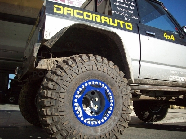 TALLER 4X4 EN CORUÑA. TALLER DACORAUTO EN CORUÑA. PREPARACIÓN DE COCHES EN CORUÑA. 4X4 EN CORUÑA.