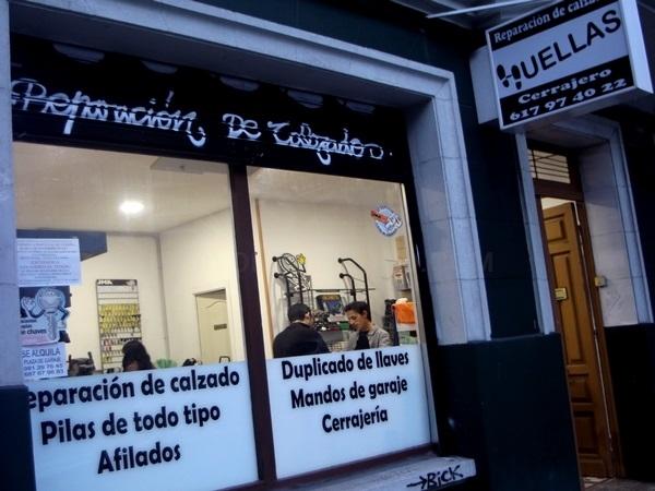 Huellas, reparación de calzado y cerrajería en A Coruña