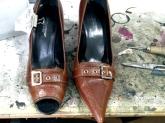 Reparación de calzado en A Coruña,  Sustitución de suela y tacón Arreglos de costuras