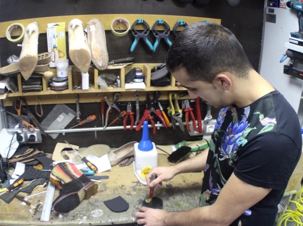 Pantuflas, reparación de calzado y cerrajería 24 horas en A Coruña