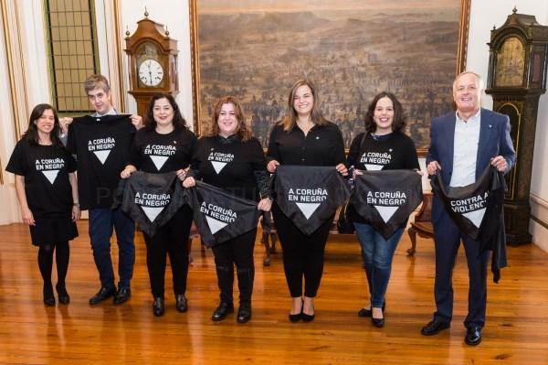 A Coruña anima á veciñanza a vestir de negro no 25N