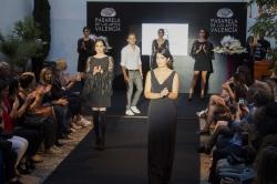 El diseñador Gabriel Castelló abrió los desfiles de Pasarela de las Artes con la colección 'Ginger