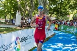El triatleta Jesús Jiménez de Puçol se prepara para el Campeonato de Europa de Triatlón Youth