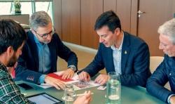 El Alcalde de Burjassot mantiene una reunión con el conseller de Política Territorial para ultimar el inicio de las obras del soterrament en el Empalm