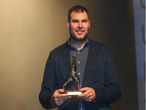 Quique Gonzalez gana el premio a la mejor dirección de la Junta Central Fallera de Valencia