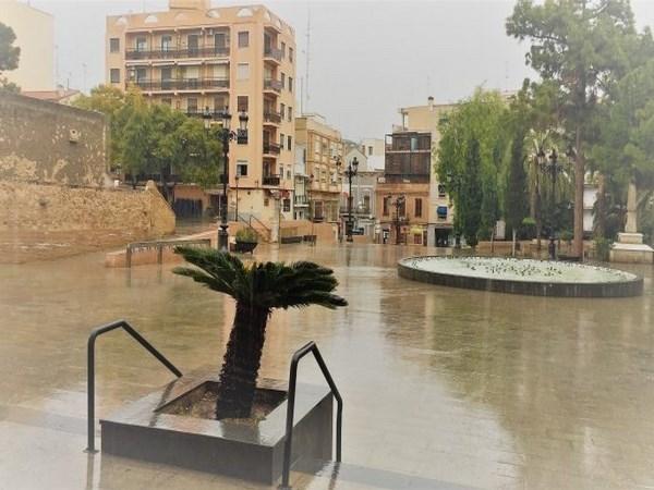 Ante el temporal, el Ayuntamiento de Burjassot cierra parques y zonas de arbolado y pone en alerta a Policía, Protección Civil y Brigada Municipal