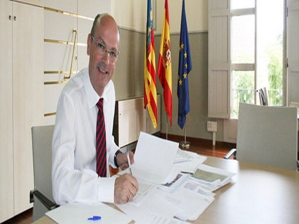 El director de la AVAP, Salvador Palazón, presenta en la Universitat de València el nuevo protocolo de seguimiento del Doctorado