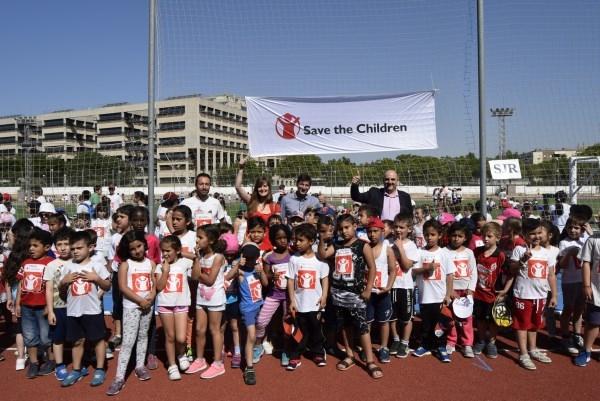"Más de un millar de escolares de Burjassot corren por ""Save the Children"""