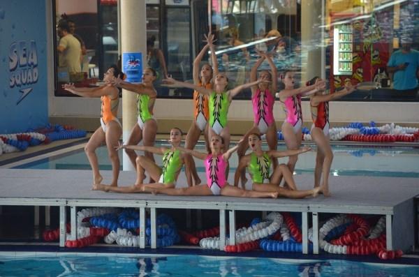 El Club Atlantis de Burjassot triunfa en el VIII Campeonato Autonómico de Natación Sincronizada