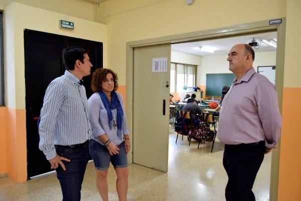 El Alcalde de Burjassot comienza una ronda de visitas por los colegios públicos de Burjassot