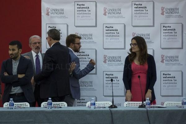 La Universitat de València firma el Pacte Valencià contra la Violència de Gènere