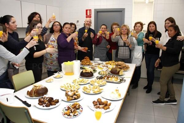 Un sabroso menú para despedirse del taller de dulces y dar la bienvenida a las fiestas de Puçol