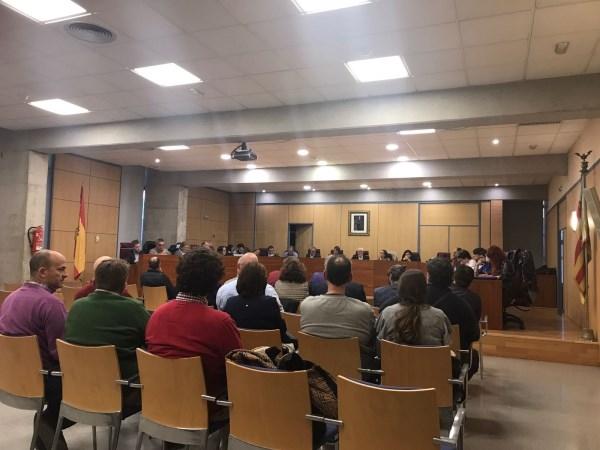 Alboraya aprueba nuevas actuaciones en centros educativos y reclama una mayor inversión en el transporte metropolitano valenciano