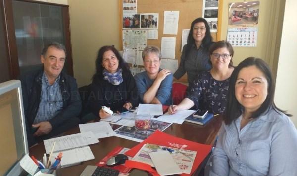 La Concejala de Sanidad, Isabel Mª Mora, se reúne con diferentes asociaciones de Burjassot para preparar la Feria de la Salud