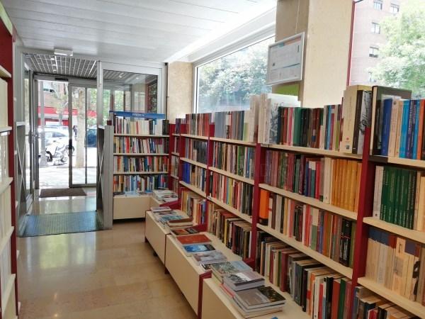 La Llibreria de la Universitat de València abre de nuevo sus puertas al público