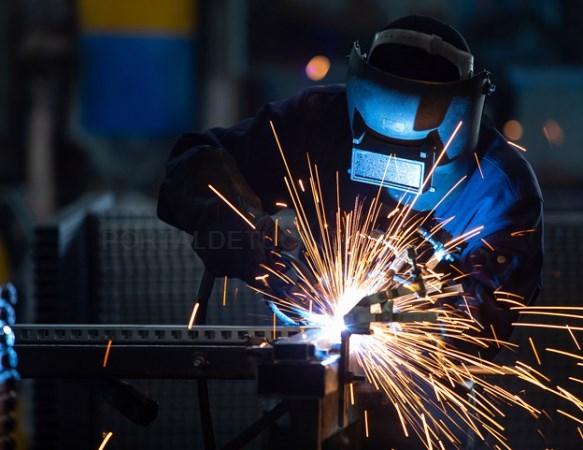 Una formación intensiva en la soldadura de metal con la posibilidad de conseguir empleo en empresas de Puçol