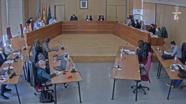 Alboraya aprueba la licitación de la mejora del servicio de limpieza de espacios verdes, playas y desembocaduras de acequias y de edificios municipale