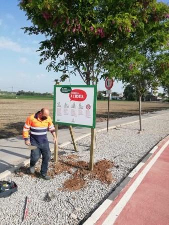 El Ayuntamiento de Alboraia señaliza sus espacios agrarios con consejos para sensibilizar a la población