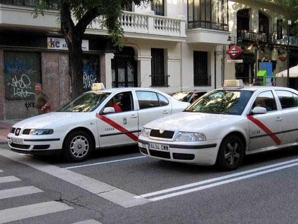 La Comunidad reforzará durante la Navidad los controles en el sector del taxi