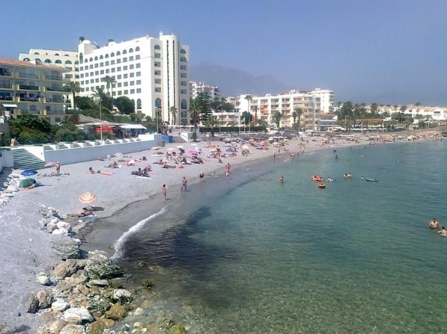 La torrecilla playas de nerja for Oficina turismo nerja