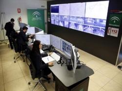 Más de 400 cámaras vigilan el servicio y garantizan la seguridad en el metro de Granada