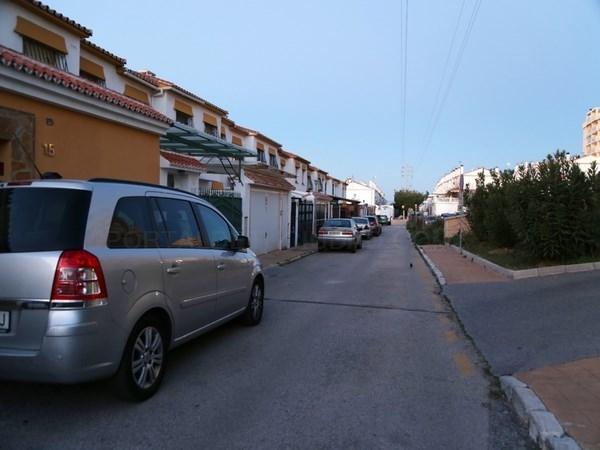 El Ayuntamiento de Rincón de la Victoria elabora un proyecto de mejora de alumbrado público en diversas calles de la Urbanización El Cantal