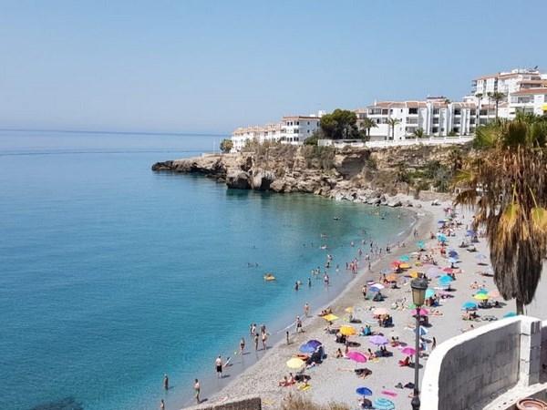 Las empresas turísticas de Nerja pueden optar a subvenciones de la Junta de Andalucía