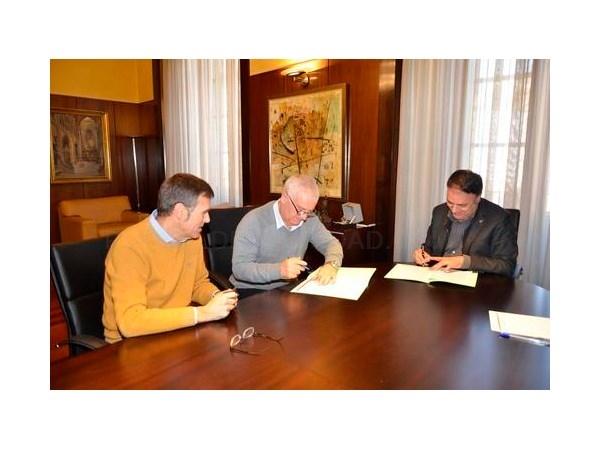 El Ayuntamiento de Manresa cede un local para que sea la sede social de la Asociación de Veïns de Passeig i Rodalies