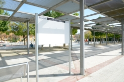 Paneles informativos en las plazas de Paiporta para información del Ayuntamiento y de asociaciones locales