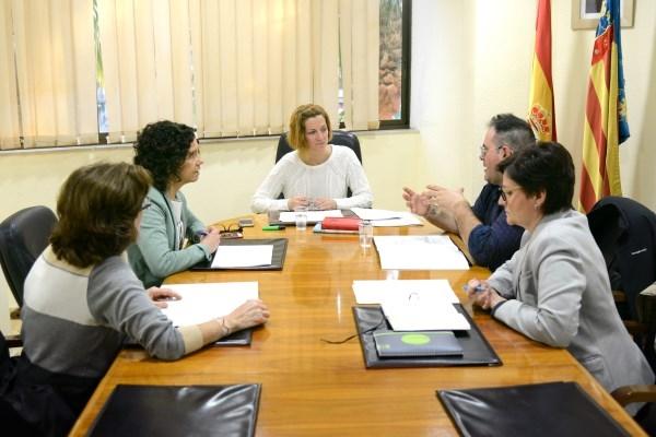 Se reúne el grupo de seguimiento de los encuentros con el alcadessa, que se retoman el 5 de abril en la zona de Villa Amparo